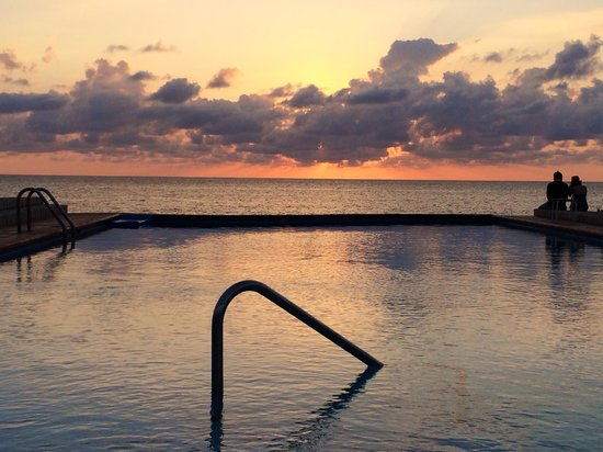 Rockhouse Hotel: Sunset from the pool. Cant get any better