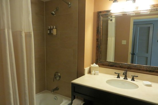 Lansdowne Resort and Spa: Bathroom