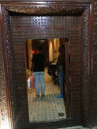 Riad Rafaele: entrance to the Riad
