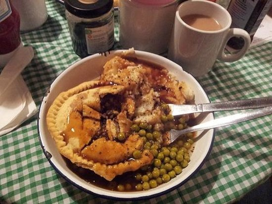 Humble Pie 'n' Mash : Sausage and black pudding pie with mash, peas and gravy