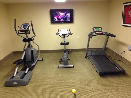 Best Western Plus Franklin Square Inn Troy/Albany: cardio equipment