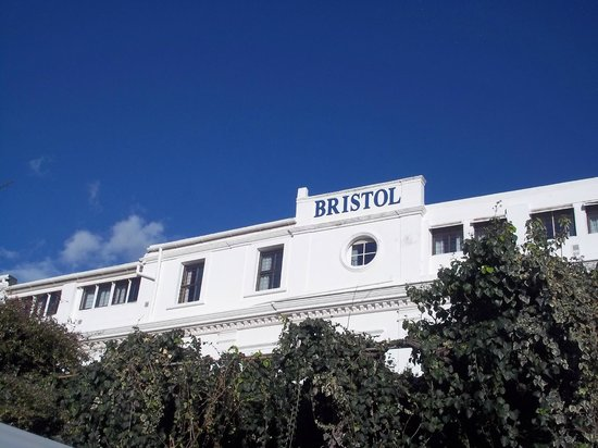 Bristol Hotel: View of the hotel from the Pool