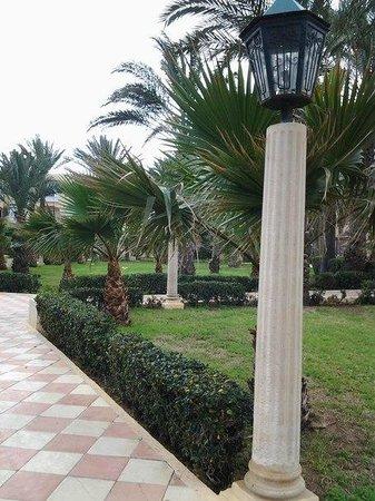 Houda Golf and Beach Club: garden