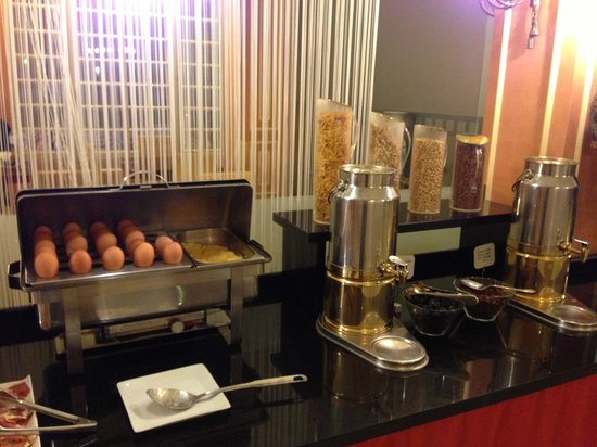 Hotel Arosa : Breakfast buffet