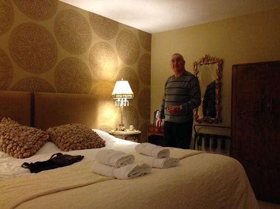 Bedroom at Allanton Inn