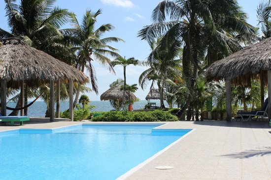 White Sands Cove Resort : Pool view