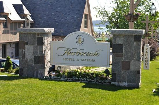 Harborside Hotel & Marina: Harborside!