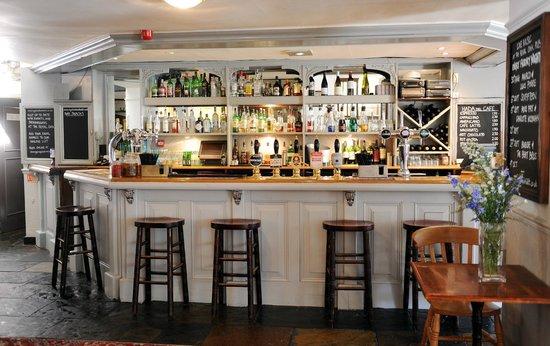 West Lavington, UK: The Bar! Cask Ales, Wines & Cocktails