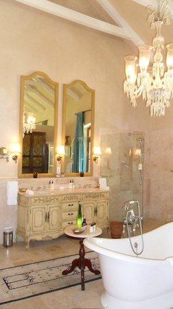 La Residence: Bathroom - Room 6