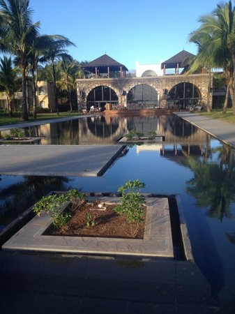 Outrigger Mauritius Beach Resort Un Palais Spectaculaire Et Son Bin