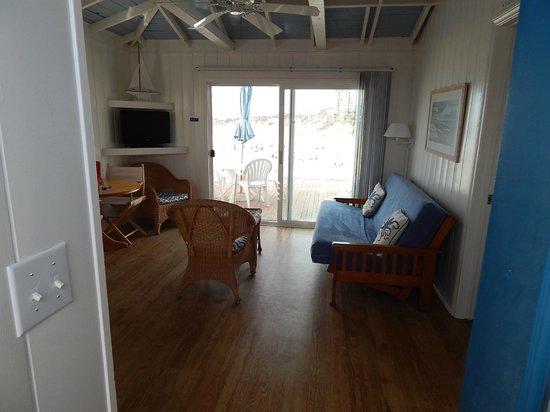 Crystal Pier Hotel & Cottages: Living Room
