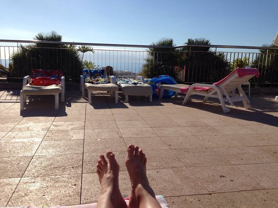 Be Live Family Costa los Gigantes: Sunbathing on the terrace