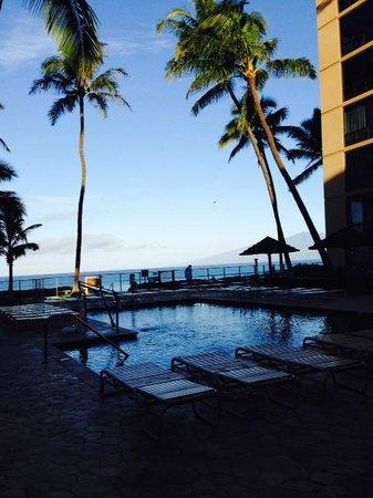 Aston Mahana at Kaanapali : Beautiful pool with ocean view