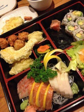Little Tokyo : Sashimi Dinner Box