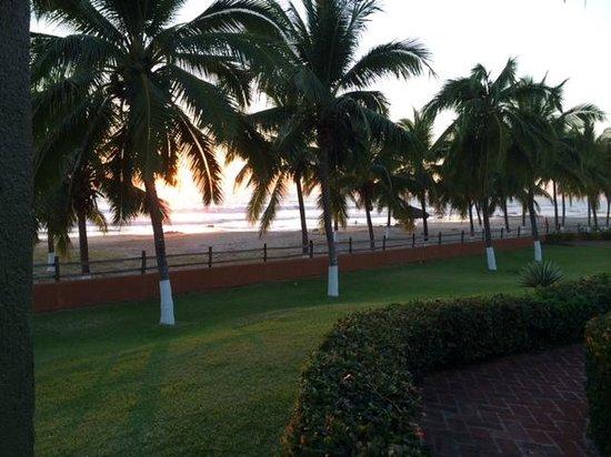 Majahua Palms: View towards ocean