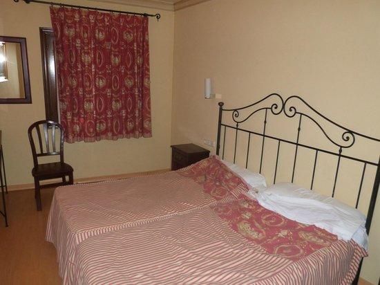Hotel Don Miguel: Room 105