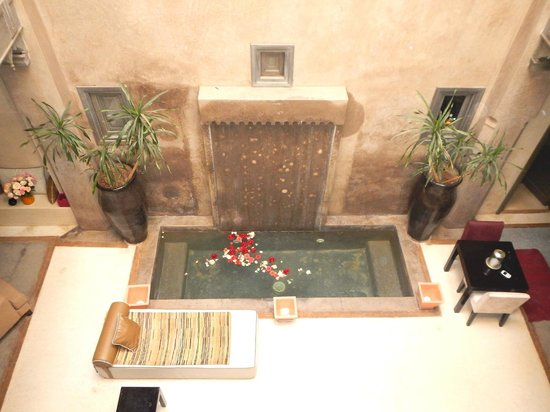 Riad Dar One: Courtyard