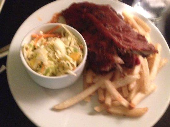 Latitudes Restaurant & Bar: room service ribs