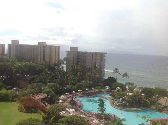 Ka'anapali Beach Club : Poolside/Ocean View room