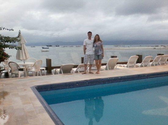 Costa Norte Ponta Das Canas Hotel Florianopolis: Vista pro mar da piscina.