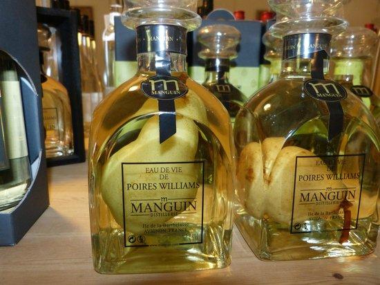 Ile de la Barthelasse : La distillerie Manguin