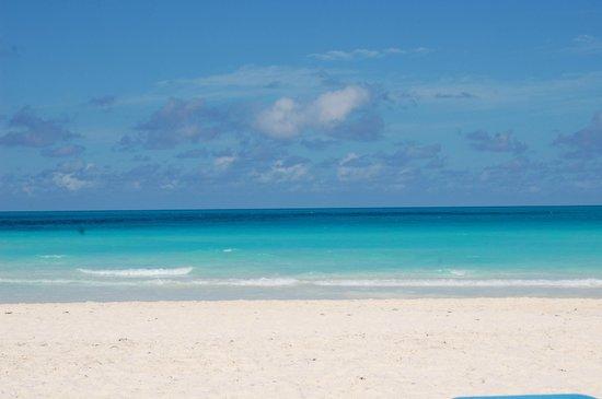 Royalton Cayo Santa Maria : perfect beach - mid day - it's all ours :)