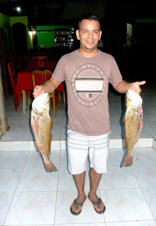 Restaurante Jade Mar: Claudio - the new owner with fresh fish