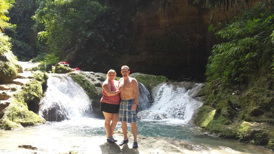 Blue Hole Mineral Spring: Your guide takes all your photos on your camera!