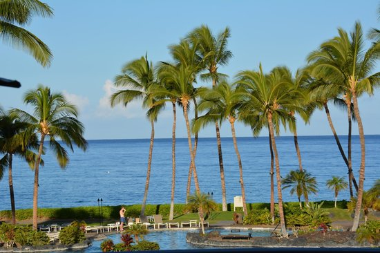 Fairmont Orchid, Hawaii: Pool from the Lobby