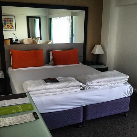 Vibe Hotel Gold Coast: Deluxe View Room, King Bed