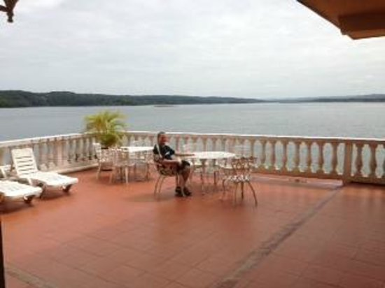 Hotel Villa del Lago: A sunny morning on the terrace outside our rooms