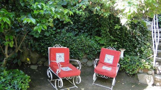 La Chascona (maison de Pablo Neruda) : Jardim agradável
