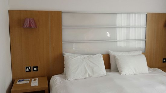 Park Inn by Radisson York: Bed