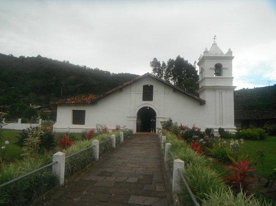 Orosi Lodge: Une des plus veille église du Costa Rica