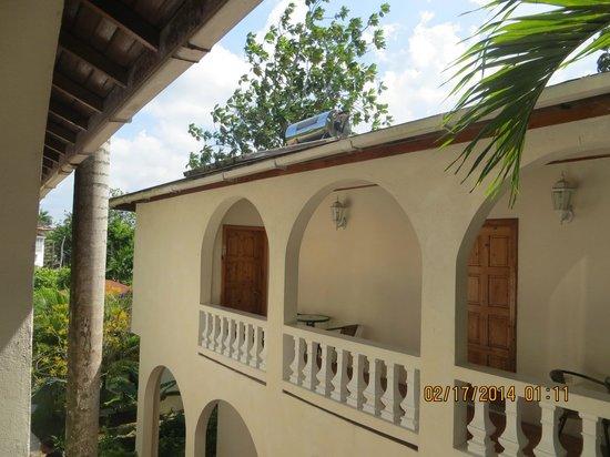 Mariposa Hideaway: balcony