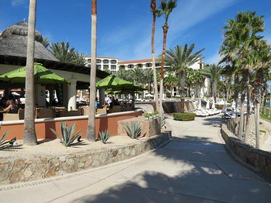 Hilton Los Cabos Beach & Golf Resort : pool side restaurant