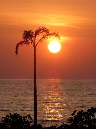 ไทย ไอส์แลนด์ ดรีม เอสเตต: Sundowner time