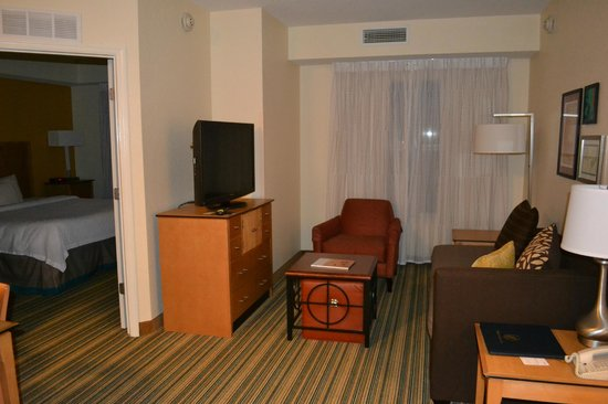 Residence Inn Cape Canaveral Cocoa Beach: living room in 2 bed room suite