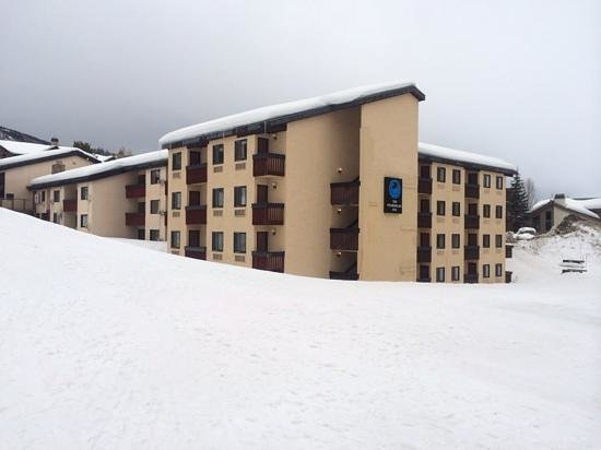 The Ptarmigan Inn: Room 420 is top floor on corner
