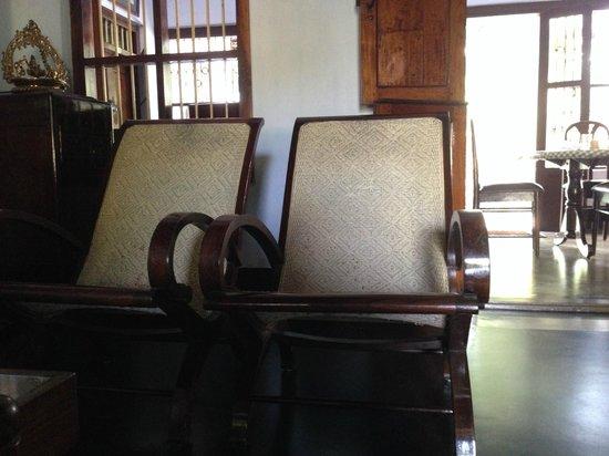 Tharavad Heritage Resort: Cosy furnishings