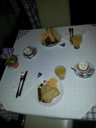 Hotel Jagerhorn: SmileyFace Coffees