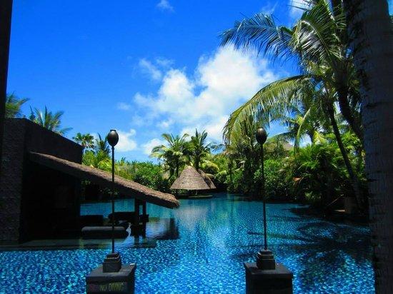The St. Regis Bali Resort: Lagoon pool