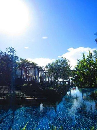 The St. Regis Bali Resort: By the pool