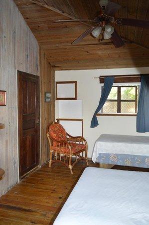 Lands End - Ocean Front Lodge: Tiki