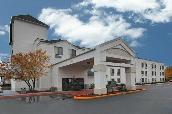 Motel 6 harvey 2 tripadvisor for Motel one wellness