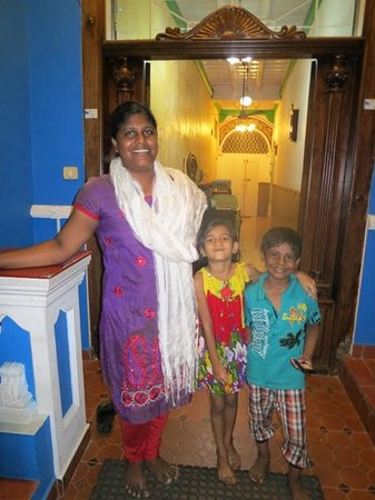 Fort INN Homestay : Leena and son and friend