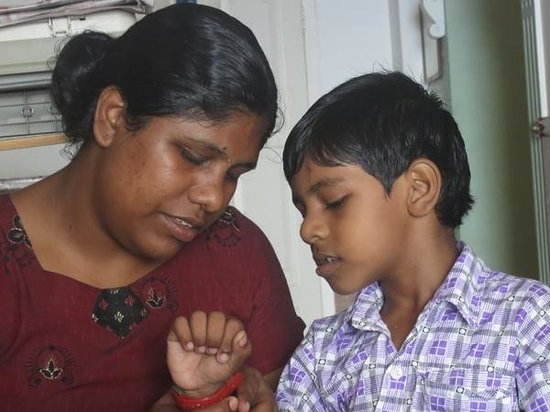 Fort INN Homestay : Leena and son