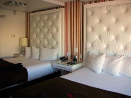 Stupendous 2 Queen Go Room 24Th Floor Picture Of Flamingo Las Vegas Download Free Architecture Designs Sospemadebymaigaardcom