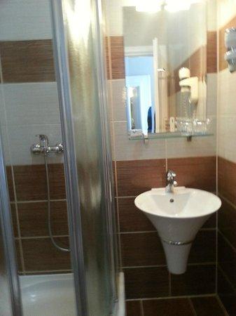 Hotel Old Town: Bathroom