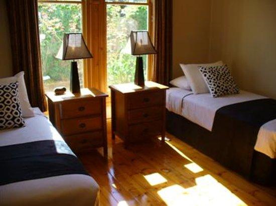 TRC Hotel: TRC House Bedroom